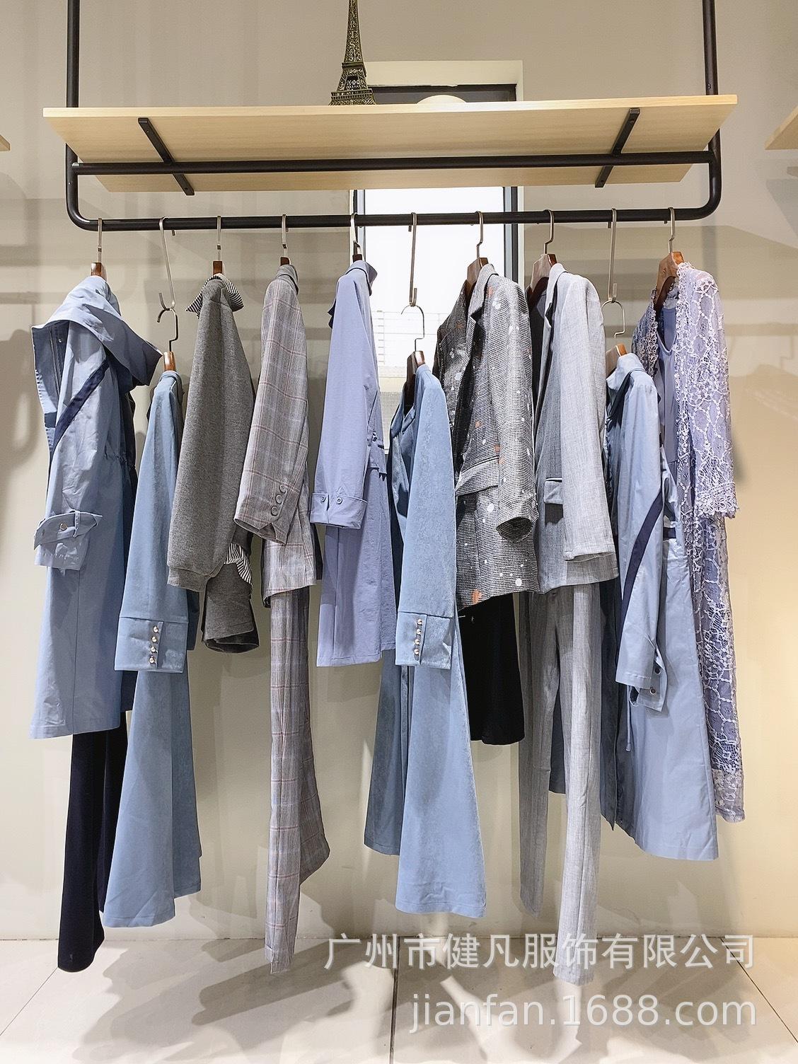 唯姿轩大码女装 高端品牌折扣女装 西装套装货源批发