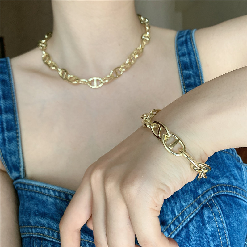 fashion thick chain pig nose shape brass gold plated short alloy clavicle chain bracelet NHYQ242987