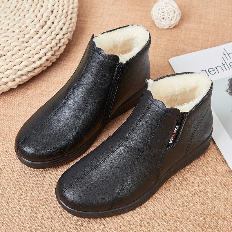 冬季妈妈鞋老人棉鞋软底中老年短靴女加绒保暖靴子平底奶奶棉皮鞋
