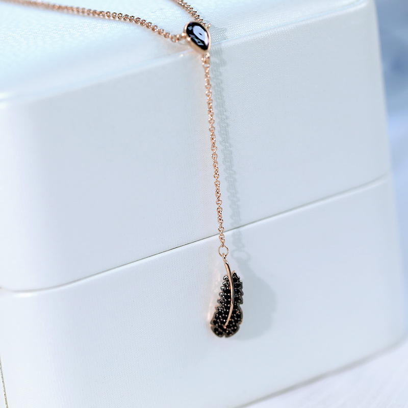 exaggerated Yshaped leaves feathers inlaid black zirconium clavicle style tassel necklace pendant wholesale nihaojewelry NHDO232368