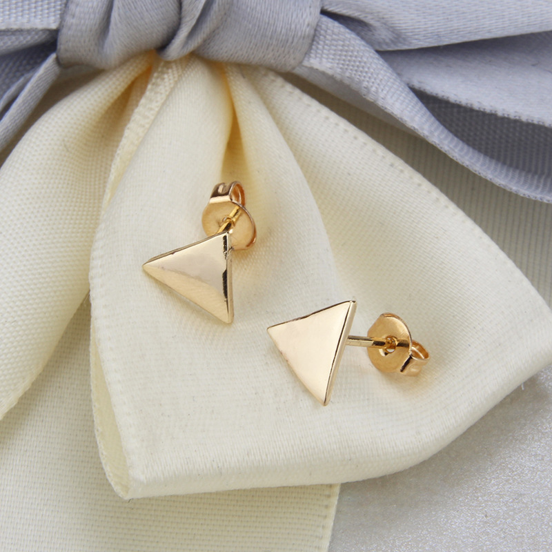hot sale glossy triangle necklace set hot selling new gold-plated stud earrings set wholesale nihaojewelry NHBP221167