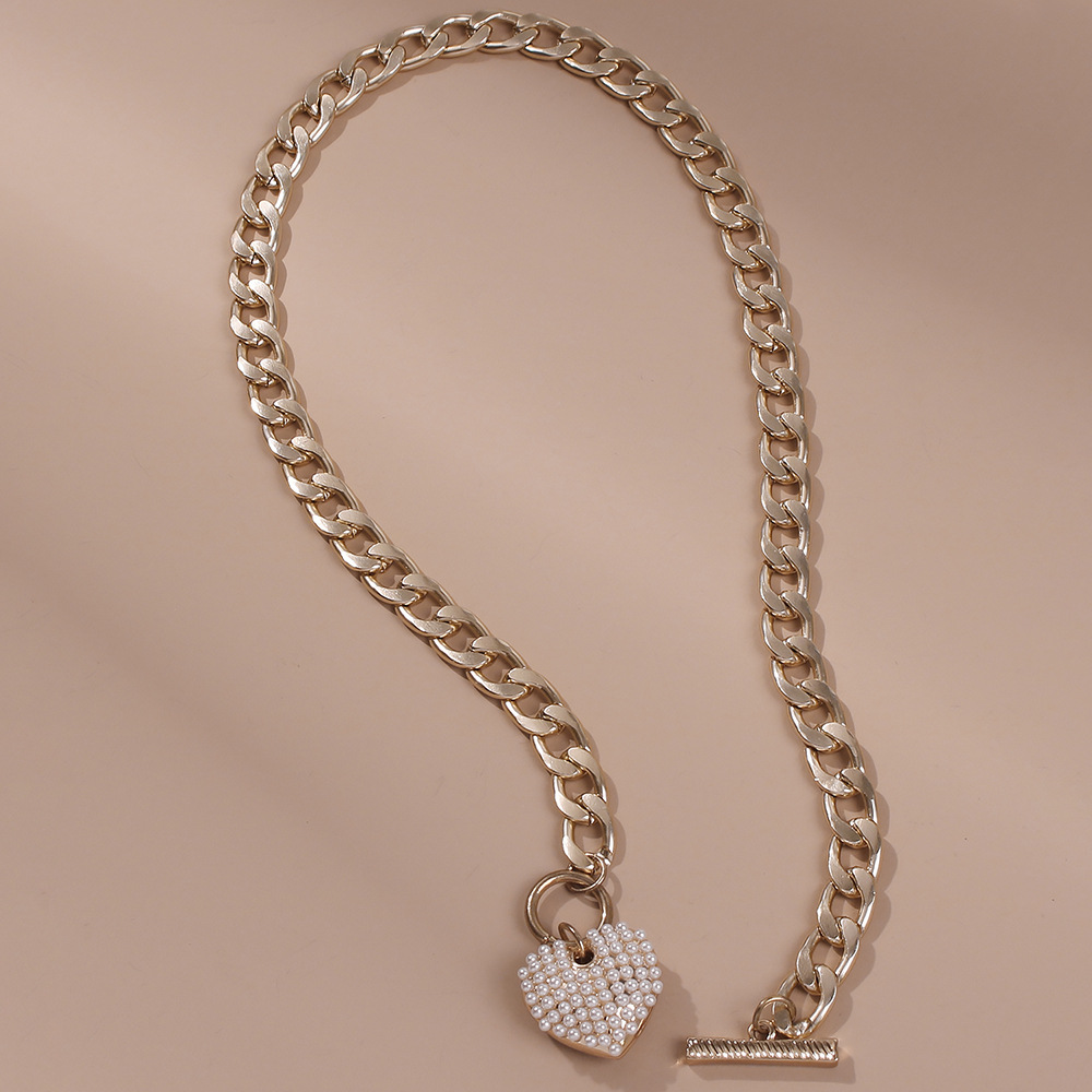 Fashion punk style new pearl heart-shape necklace for women bold water wave clavicle chain simple necklaces nihaojewelry NHMD238179