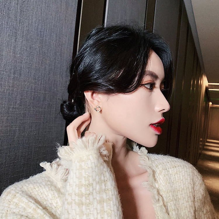 S925 silver needle Korean small circle diamondset golden new simple and compact earrings wholesale nihaojewelry NHXI234414