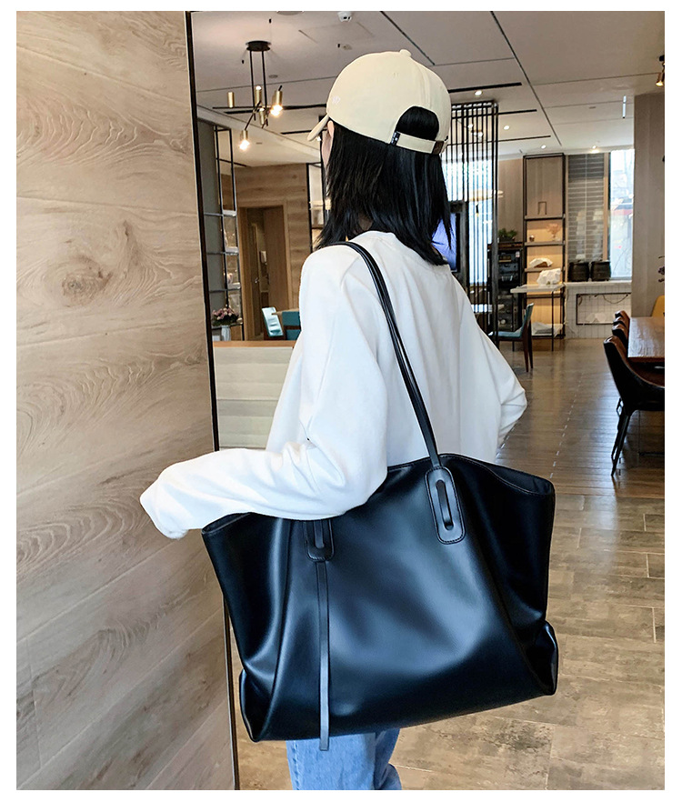 Soft-faced one-shoulder women's new autumn tide Korean large-capacity simple fashion tote handbag  NHTC267602