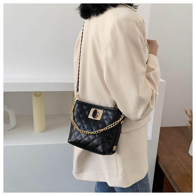 Bag Messenger Bag Women Bag New Korean Wild Chain Bag Fashion Bucket Bag NHTC195548