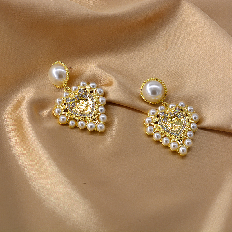 Baroque New Love Pearl Earrings Exaggerated Diamond Heart Earrings NHNT205145
