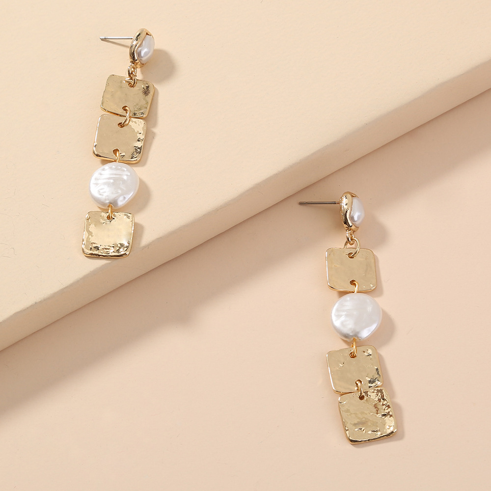 hot-selling fashion simple metal special-shaped pearl stitching square tassel long earrings wholesale NHAN258345