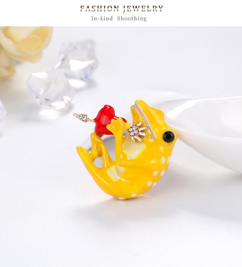 New personality cartoon brooch fashion wild cute frog brooch highend ladies brooch pin wholesale nihaojewelry NHDR223776