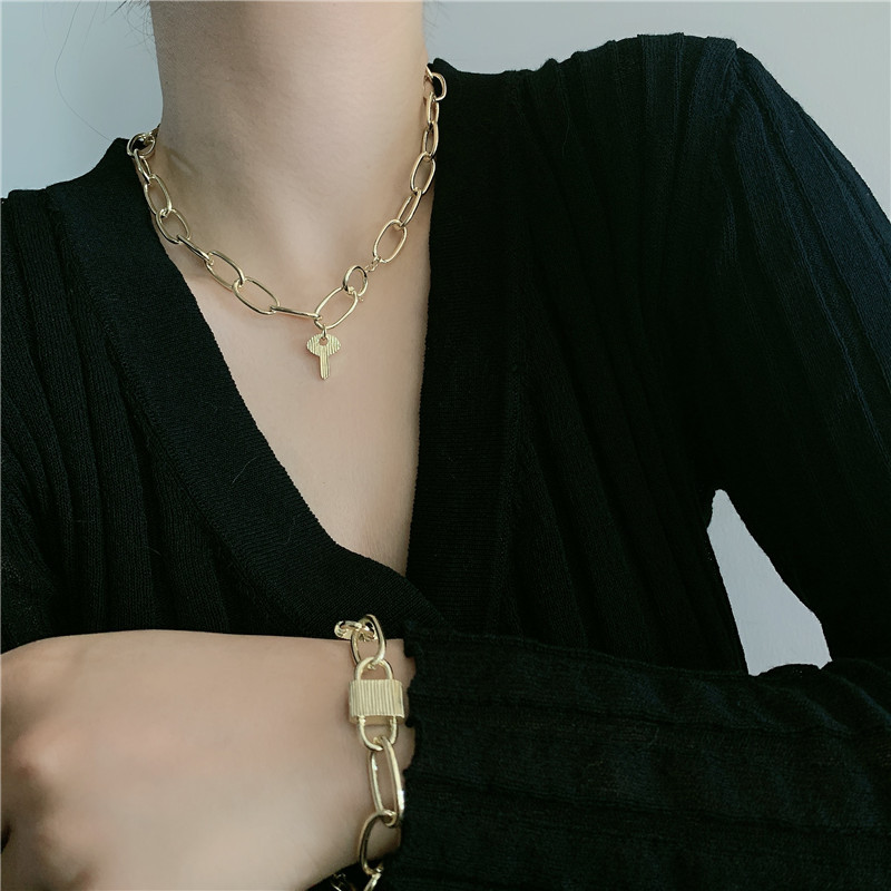 thick chain lock necklace clavicle chain simple fashion necklace wholesale  NHYQ254672