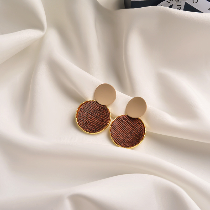 Net red with the same paragraph 2020 new Korean earrings  fashion hit color large circle geometric earrings personality simple earrings NHWF194234
