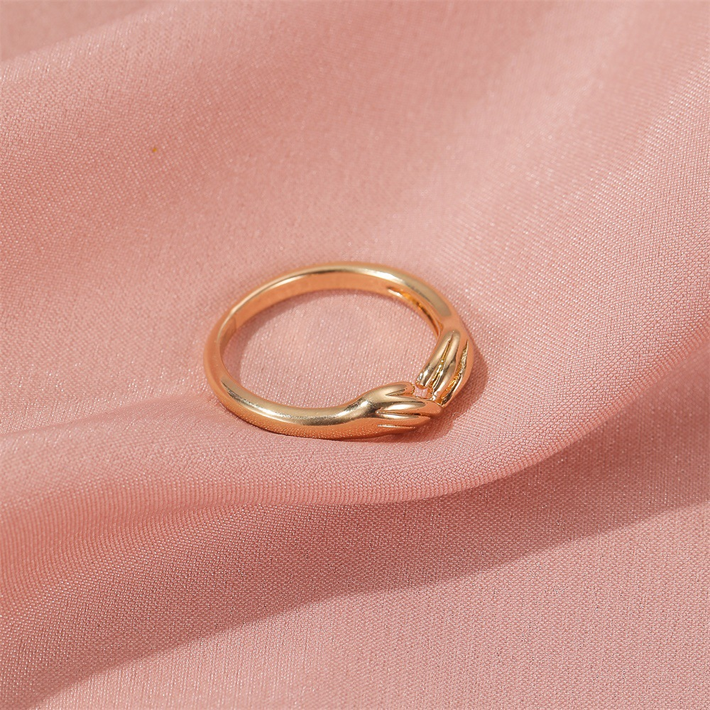 Hand holding rings creative three-dimensional design sense index ring simple couple rings wholesale nihaojewelry NHDP229545
