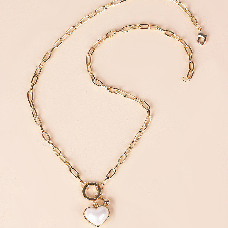 Fashion simple pearl white love pendant necklace fashion heartshaped thick chain clavicle chain for women nihaojewelry NHRN237257