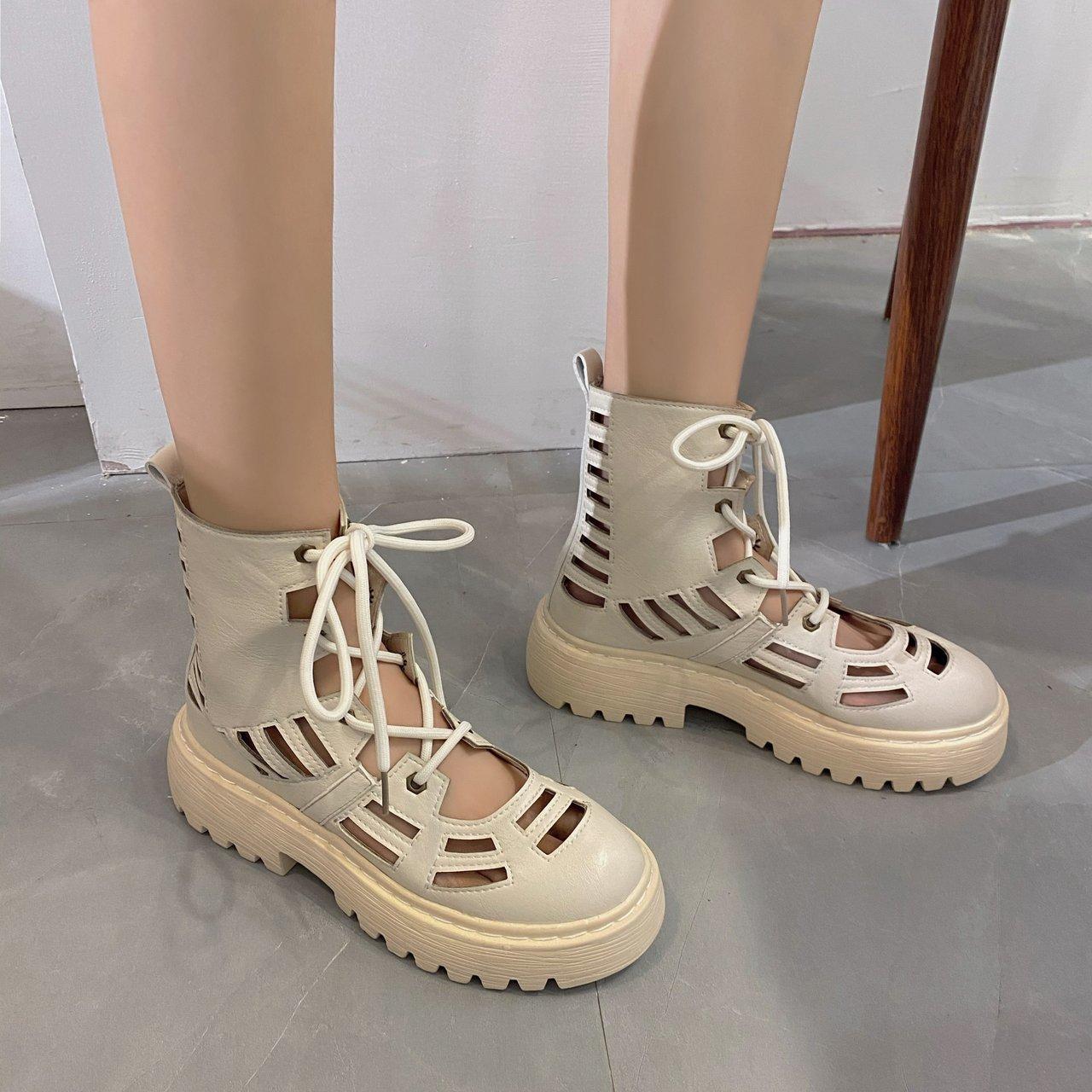 2020新款<span style='color:red'>女</span>靴夏款镂空马丁靴<span style='color:red'>女</span>夏季透气时尚厚底薄款短靴夏天凉<span style='color:red'>鞋</span>