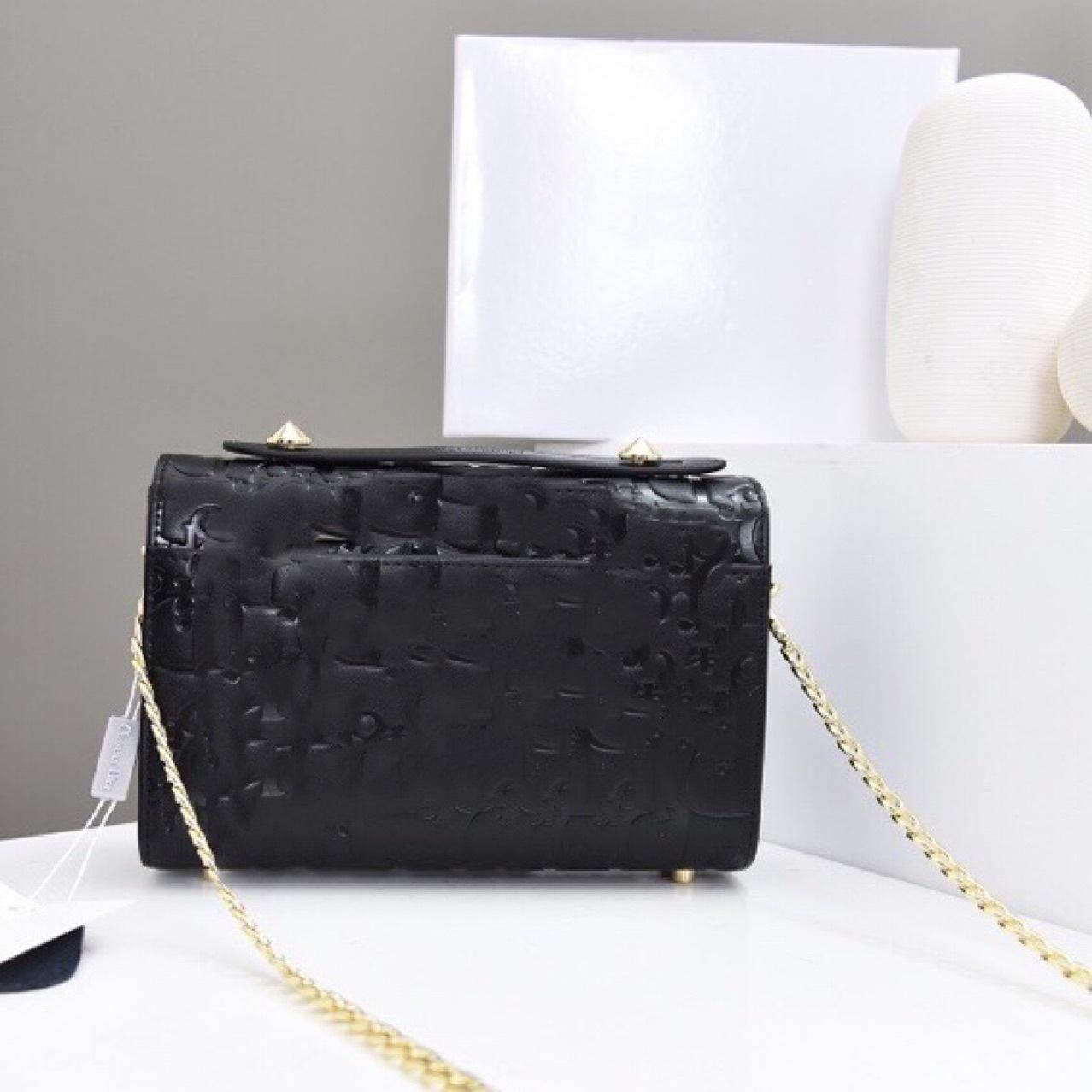 20新D奥新款韩版压字母斜挎包女式包包小方包 链条包 时尚背包