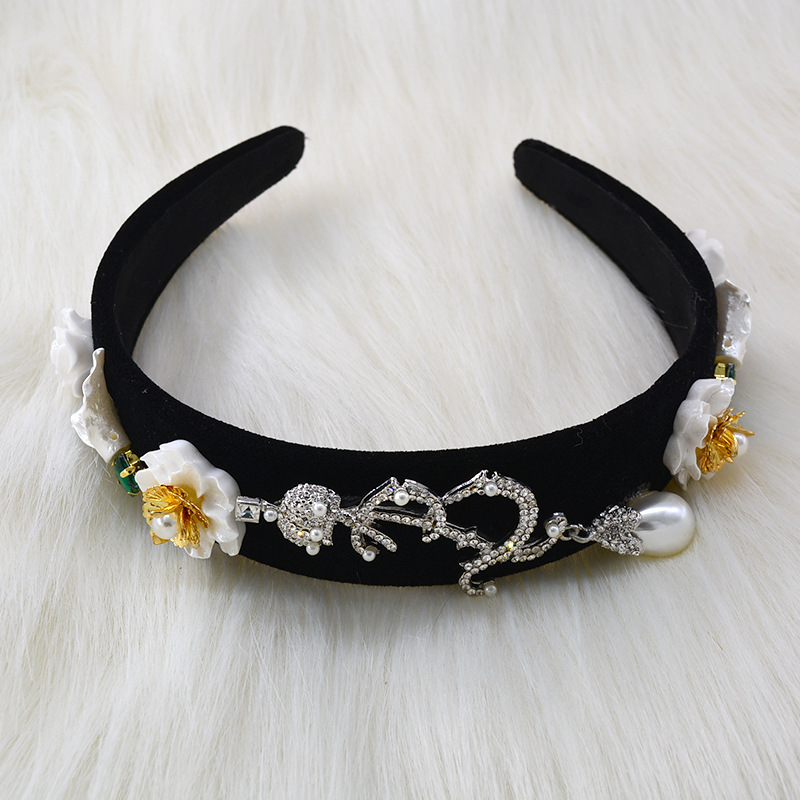 Korean new fashion baroque style inlaid color diamond wide-side cheap headband wholesale NHNT210977