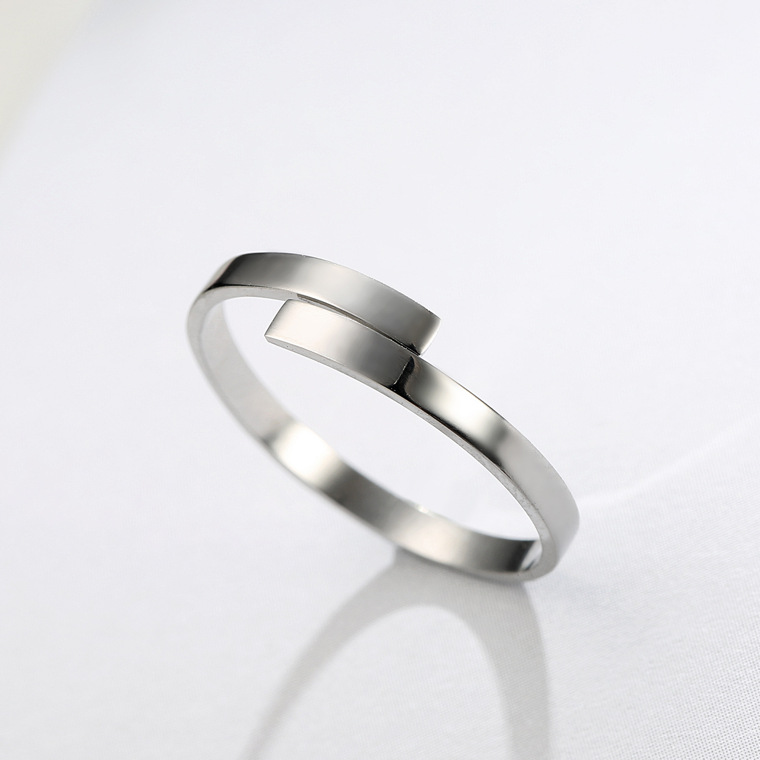 New Fashion Simple Glossy Ring 18K Gold Plated Open Ring Stainless Steel Couple Ring NHJJ206724