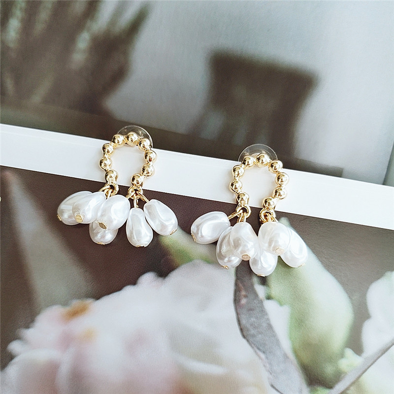 new trendy simple wild pearl earrings temperament fashion earrings  wholesale nihaojewelry NHVA221559
