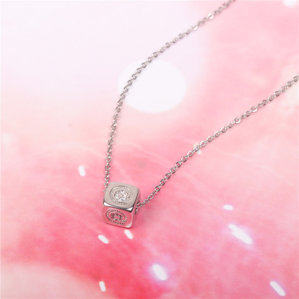 New accessories sieve three-dimensional square pendant necklace stainless steel couple necklace NHPY196592
