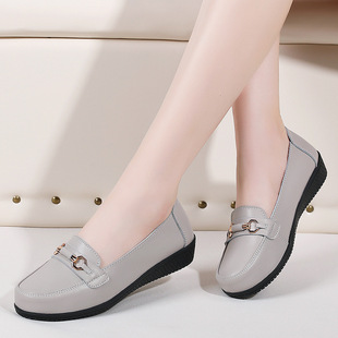 Spring and autumn models mother shoes soft sole comfortable single shoes middle-aged and elderly women's shoes grandma flat-bottom middle-aged elderly leather shoes