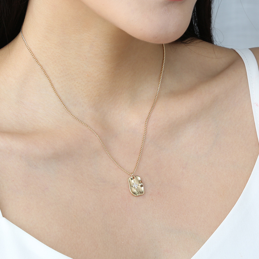 hot-selling fashion and simple clavicle chain exquisite micro diamond geometric pendant necklace wholesale NHAN250901
