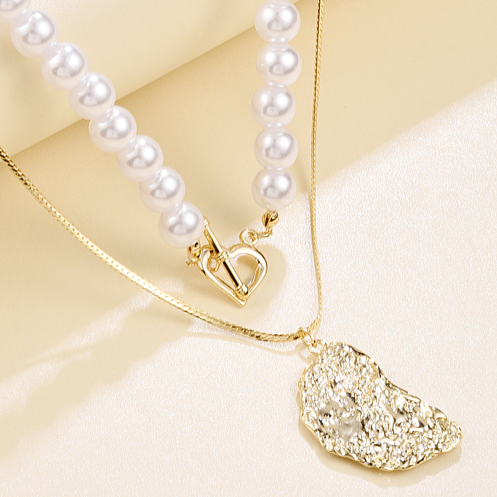 New pearl double-layer necklace set creative alloy heart-shaped lock necklace nihaojewelry wholesale NHMD213875