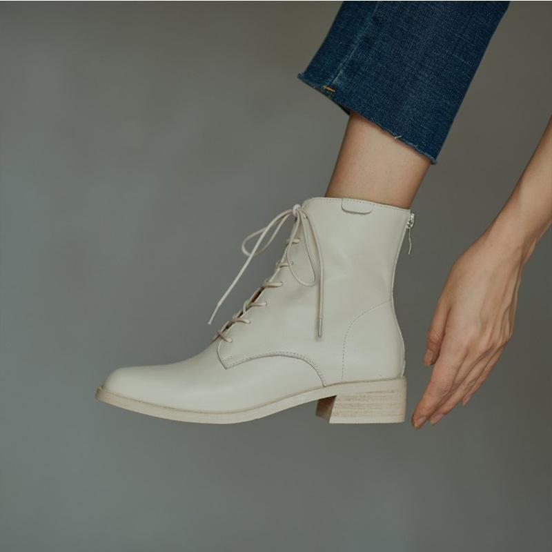 米白色马丁靴女英伦风短靴2020新款欧美春秋款单靴真皮系带女靴子