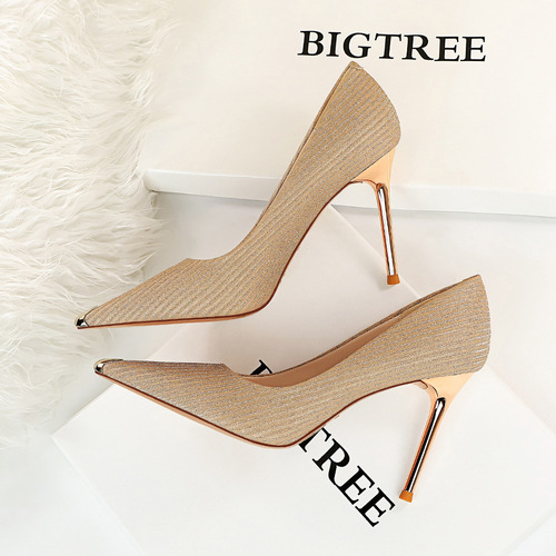 6826-17 European and American fashion sexy party show thin thin with shallow mouth metal point with high heels women's shoes