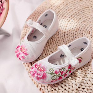 Hanfu shoes for kids Children Chinese folk dance hanfu embroidered shoes ethnic soft soled breathable girl craft shoes Hanfu shoes