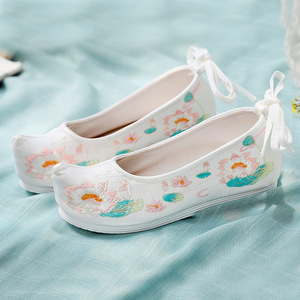 Chinese hanfu shoes Beijing shoes with increased height, warped head, embroidered Hanfu shoes, cotton hemp breathable embroidered shoes