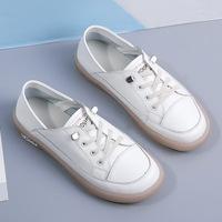 Маленькие белые женские туфли, весна 2020, новые универсальные кроссовки из мягкой кожи, студенческие туфли на плоской подошве, одна капля