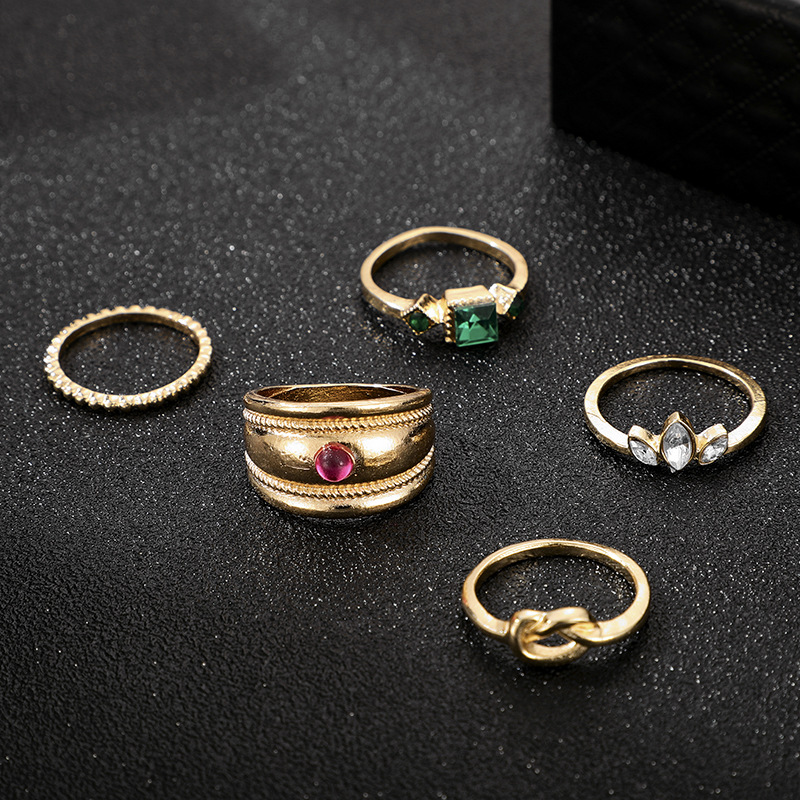Fashion rings for women simple popular diamond knotted ring 5-piece set retro style wide side joint ring NHGY202888