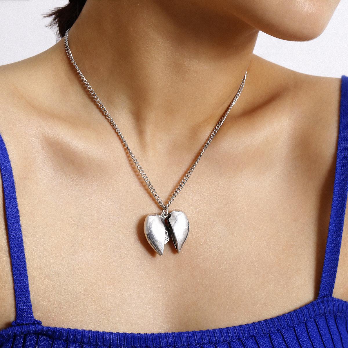 New fashion retro wild tassels geometric necklace creative opening peach heart pendant necklace women NHXR204535