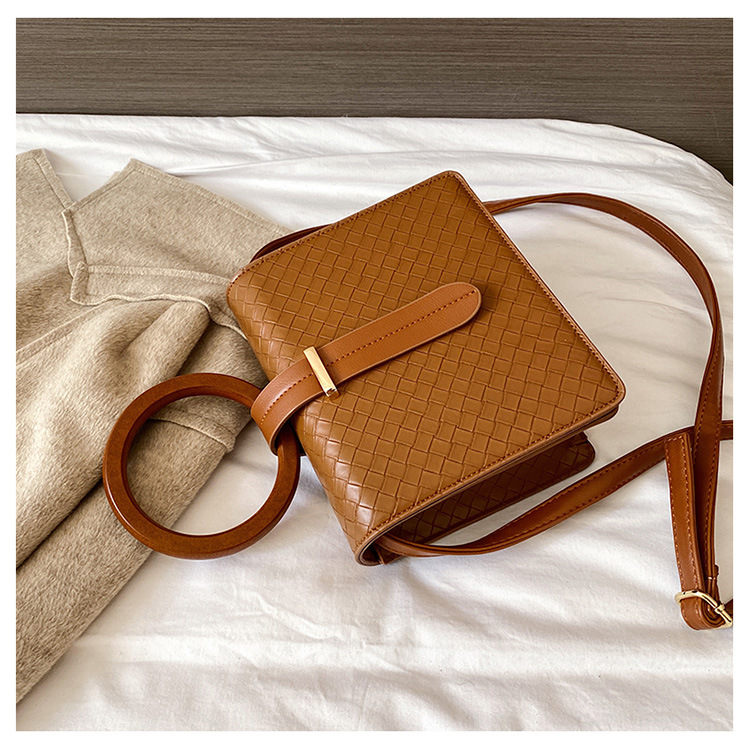 fashion  wooden new trendy simple woven shoulder bag  NHJZ270368