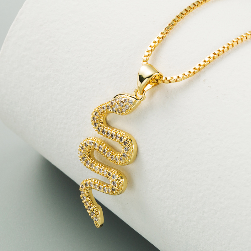 hot selling  new creative fashion serpentine pendant necklace personality punk style inlaid zircon necklace nihaojewelry wholesale NHLN222916