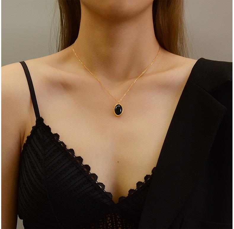 Palace style retro light luxury opal pendant titanium steel necklace  NHOK263890