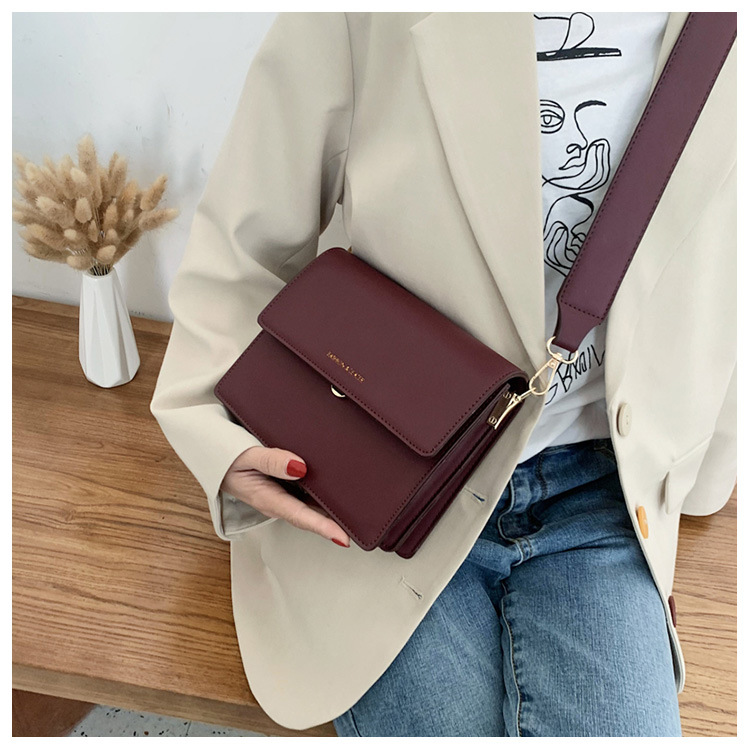 Retro Women's Bag New Korean Wide Shoulder Strap Crossbody Fashion Shoulder Bag NHTC195540
