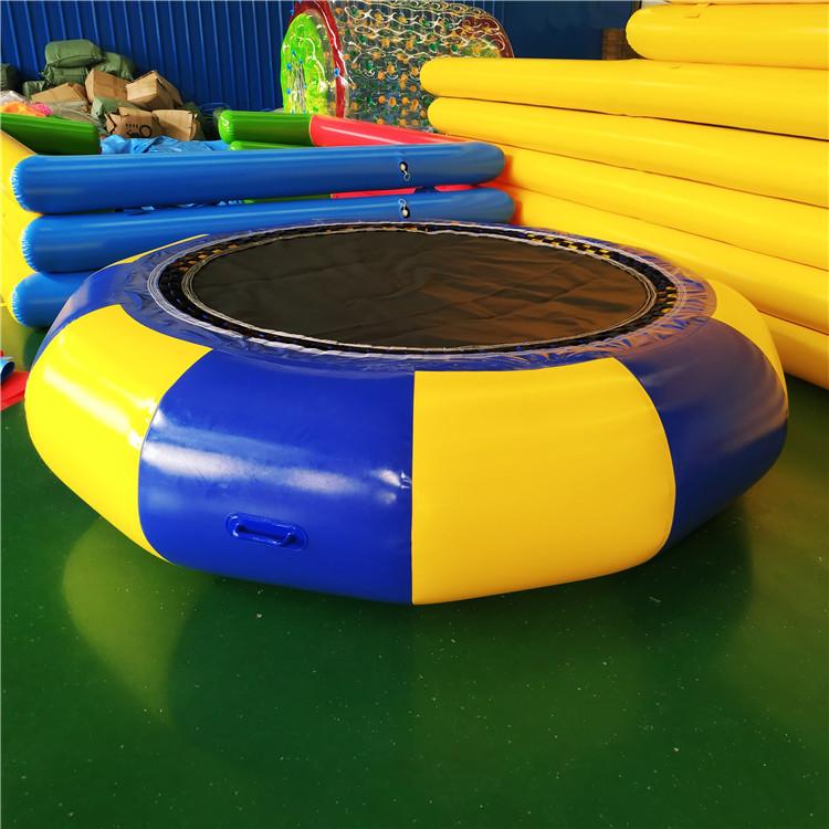 热销爆款水上蹦床 充气跳床 蹦蹦床水上弹床水上充气玩具充气跳床