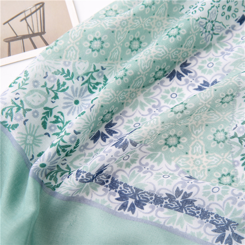 Cotton and linen scarf bright blue floral border pattern printing tassel lady scarf scarf yiwu wholesales NHGD202414