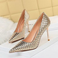 The 6826-11 European and American wind sexy nightclub show thin high-heeled shoes high heel with shallow mouth pointed knitting sequined shoes