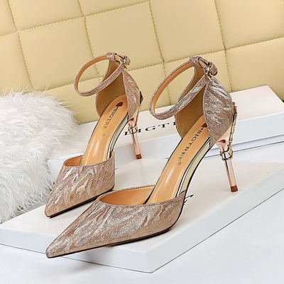 After 283-A62 European and American wind banquet sexy women's shoes with shallow mouth pointed hollow metal with high