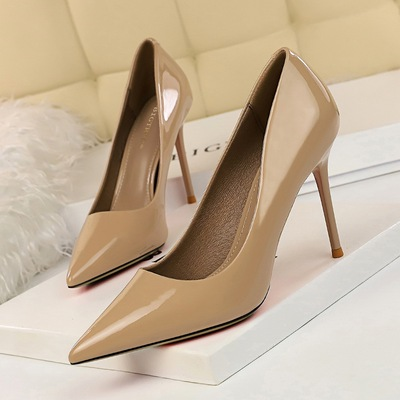 96161-1 the European and American fashion contracted with patent leather high heel shallow mouth pointed sexy show thin