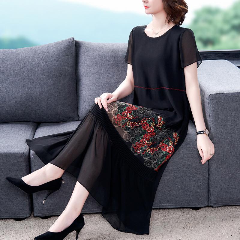 2020夏季新款绣花连衣裙女中老年宽松显瘦时尚短袖气质雪纺中长裙