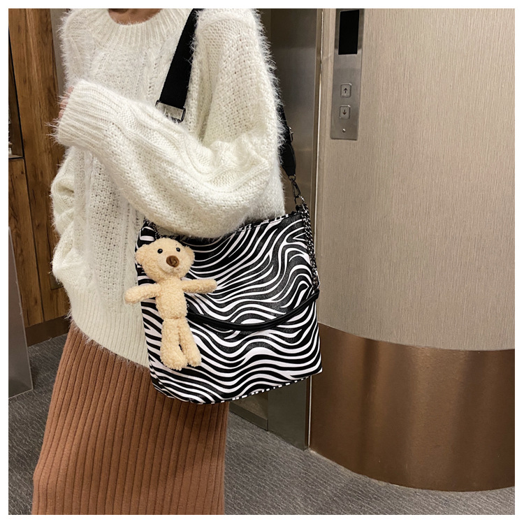 new trend simple shoulder bag wild diagonal  zebra pattern striped bag NHJZ270362