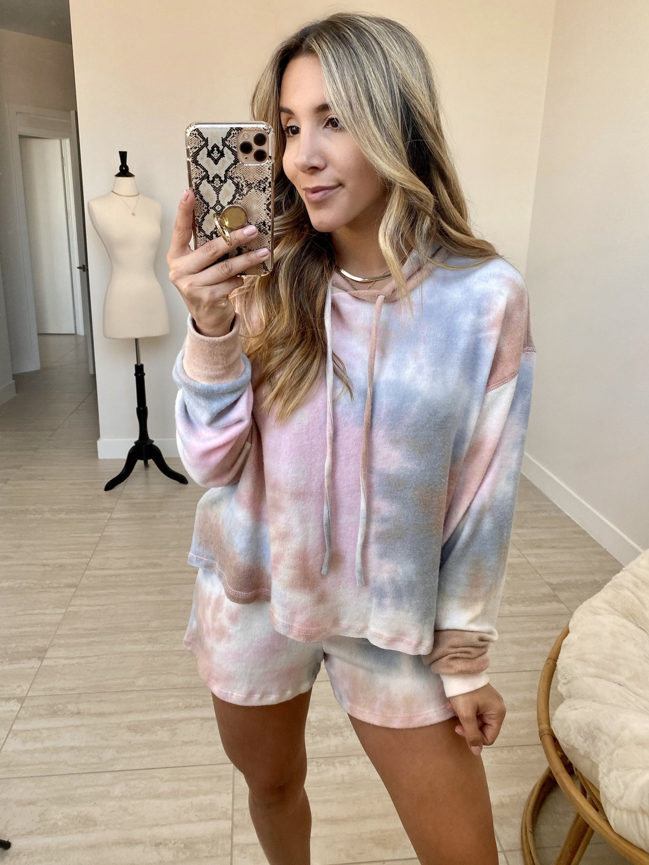 2020 spring and summer Europe and the United States new style leisure home service two-piece set of women's summer amazon long-sleeve shorts home set
