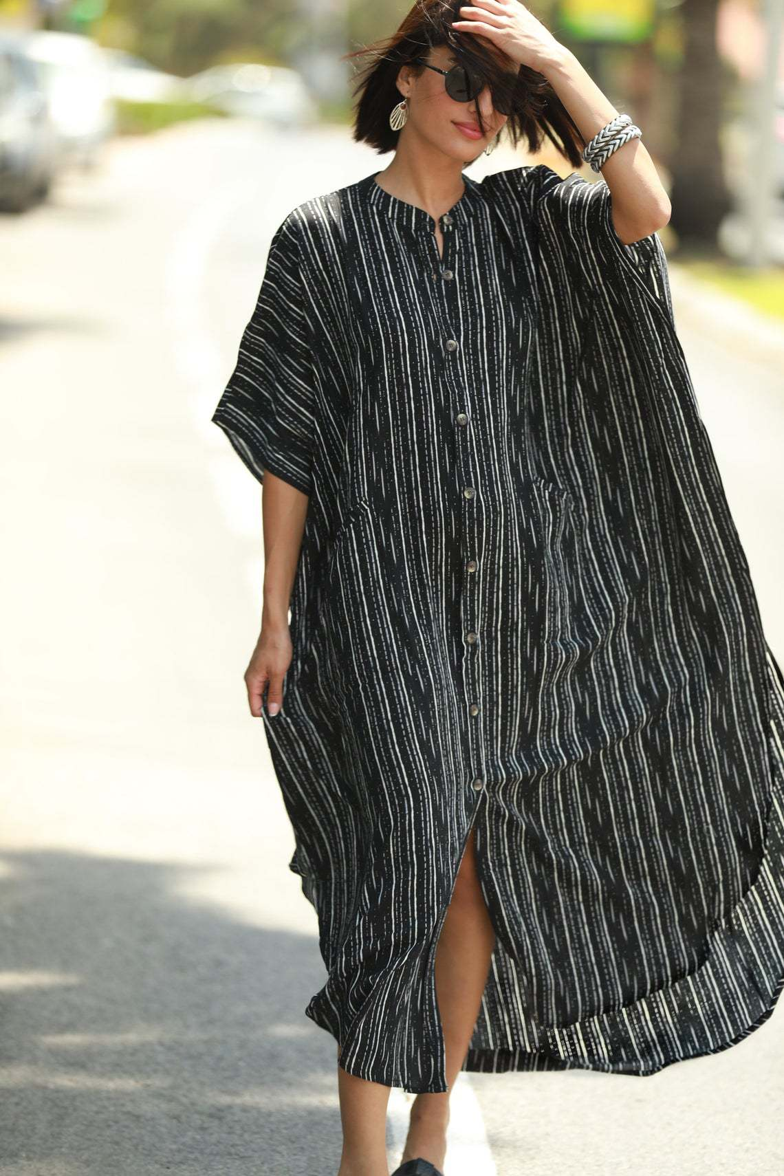 New black and white strip pocket loose seaside vacation cardigan blouse wholesale nihaojewelry NHXW243959