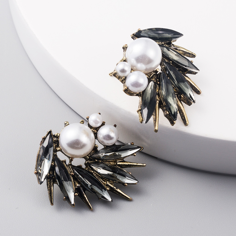 Fashion jewelry pearl earrings diamond irregular luxury generous ladies earrings NHLN204735