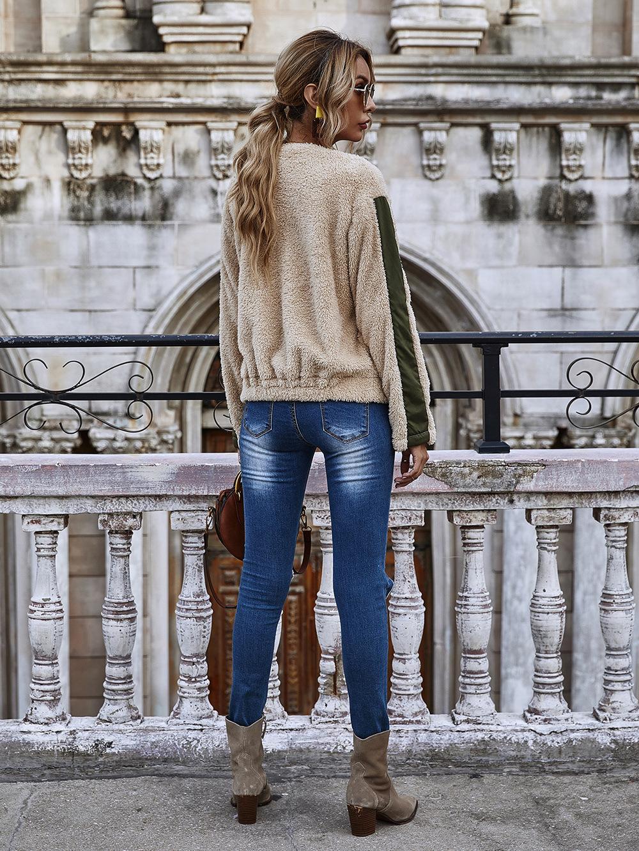 women's round neck long-sleeved color pocket zipper Teddy velvet jacket wholesale NHDF14