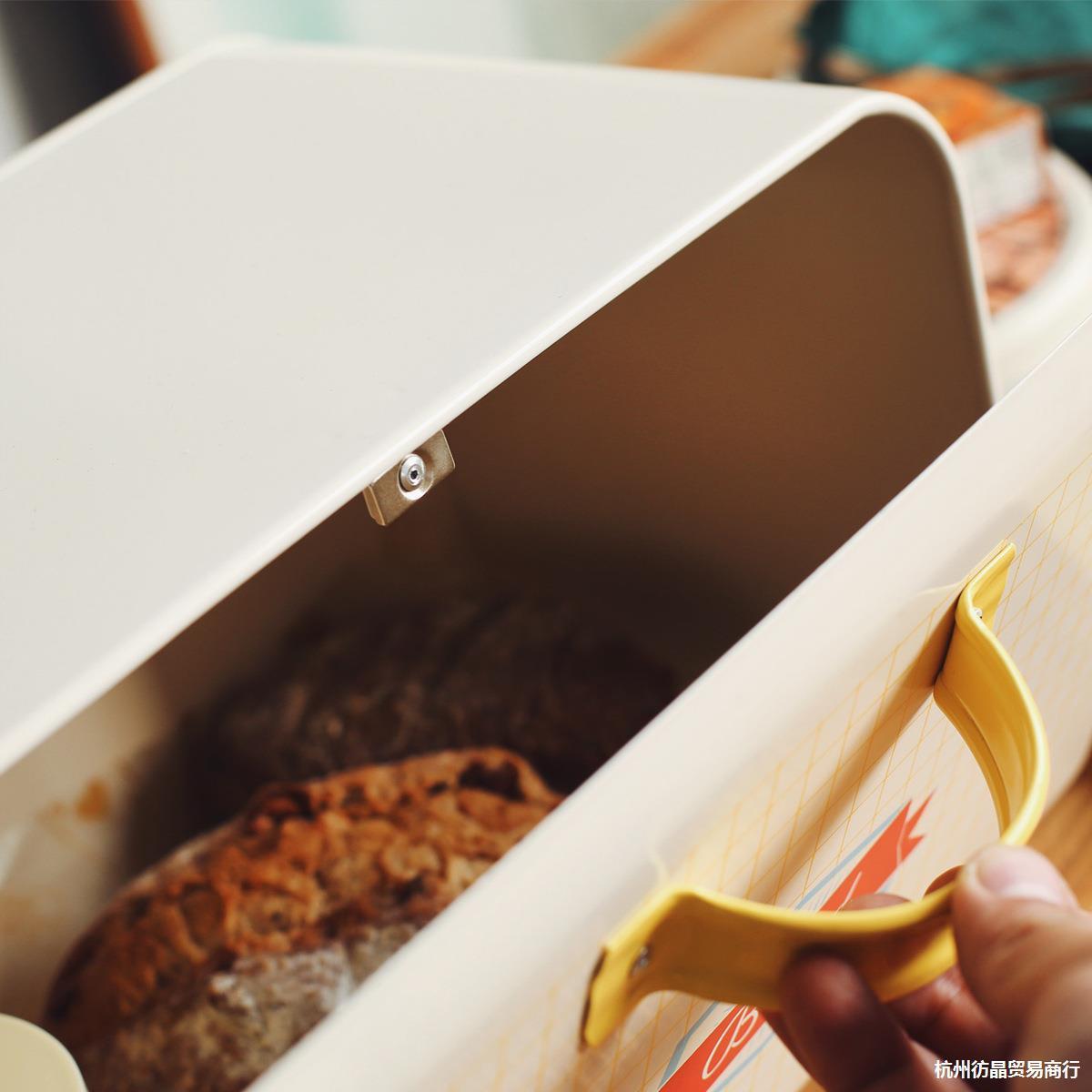 面包箱敲击桌面。零食厨房简约北欧盖置物盒烘焙掀收纳箱明亮铁皮