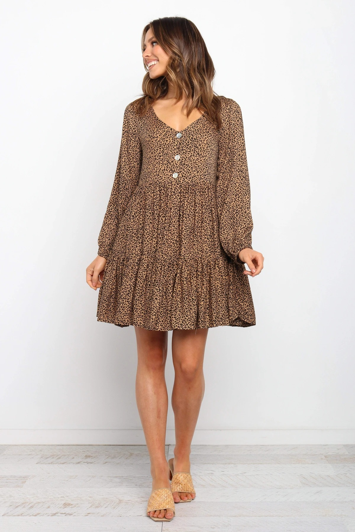 new V-neck long-sleeved button decoration loose leopard print dress NSYD3693