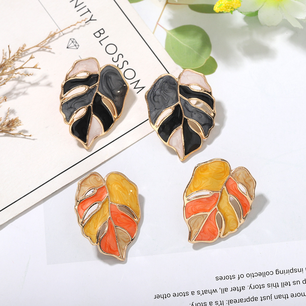Fresh earrings style temperament creative plant banana leaf earrings Korean temperament oil drop leaf earrings wholesale nihaojewelry NHJQ220022